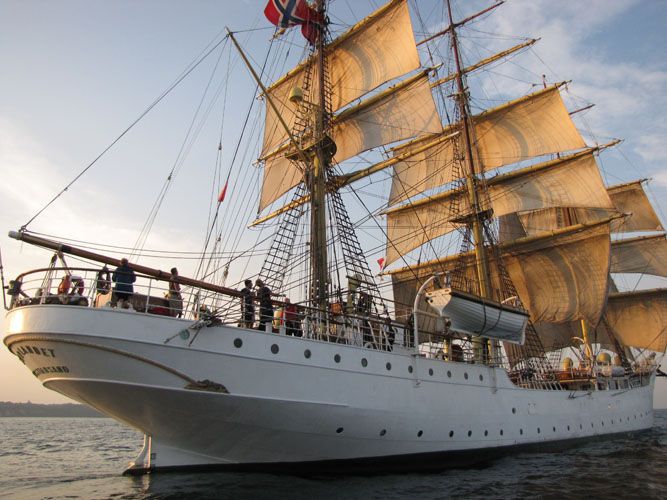 Image credit: Tall Ships America, Flickr